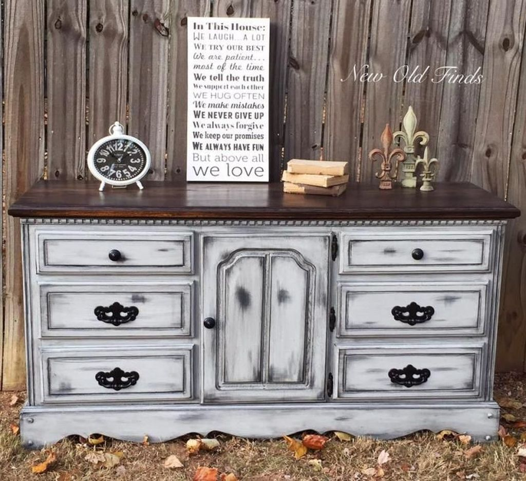 Popular Distressed Furniture Ideas To Get A Vintage Accent 12