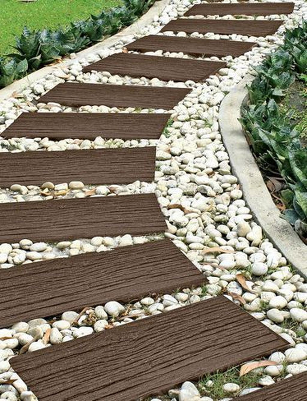 Stunning Stepping Stones Pathway Design Ideas 09