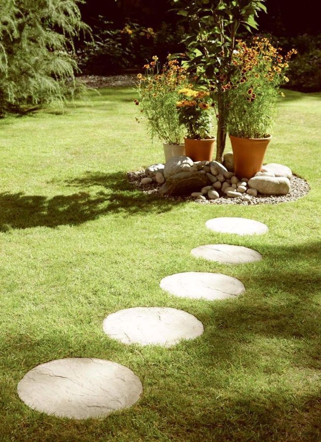 Stunning Stepping Stones Pathway Design Ideas 12