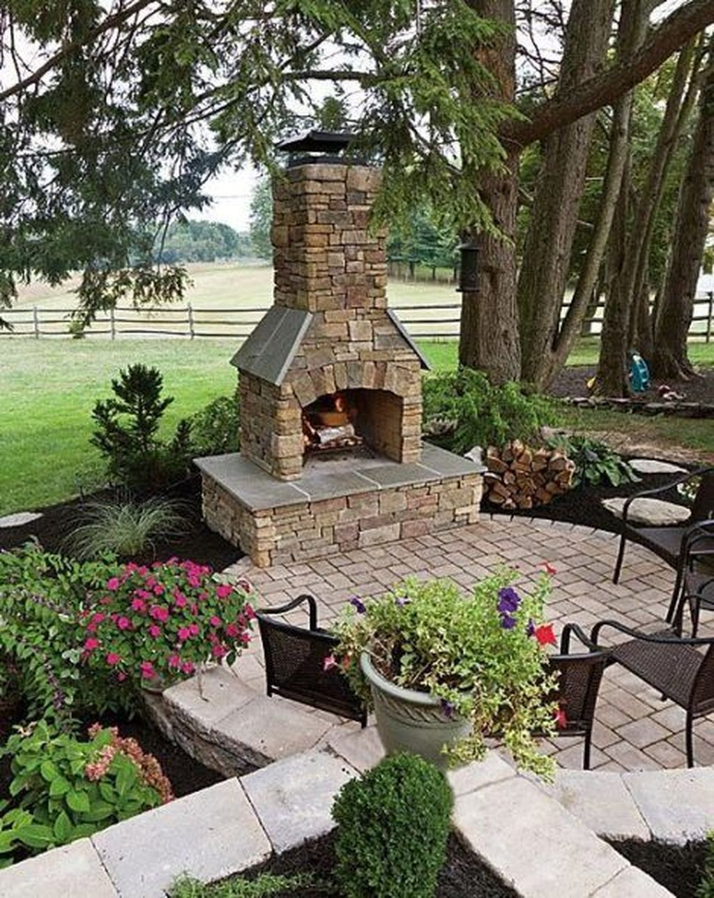 The Best Backyard Fireplace Design Ideas You Must Have 18