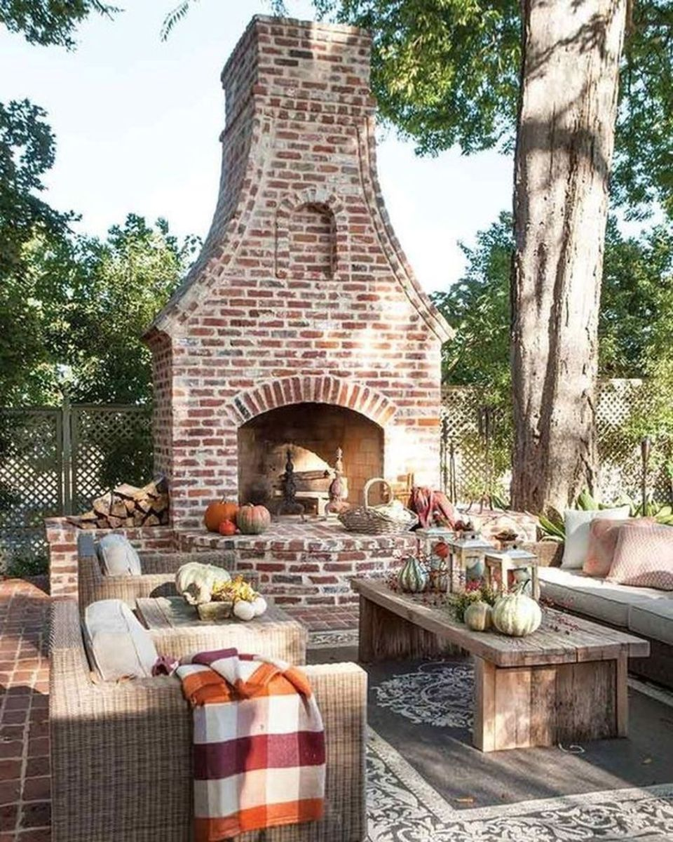 The Best Backyard Fireplace Design Ideas You Must Have 21
