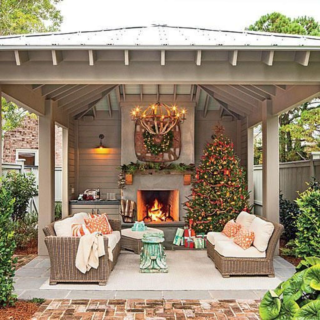 The Best Backyard Fireplace Design Ideas You Must Have 28