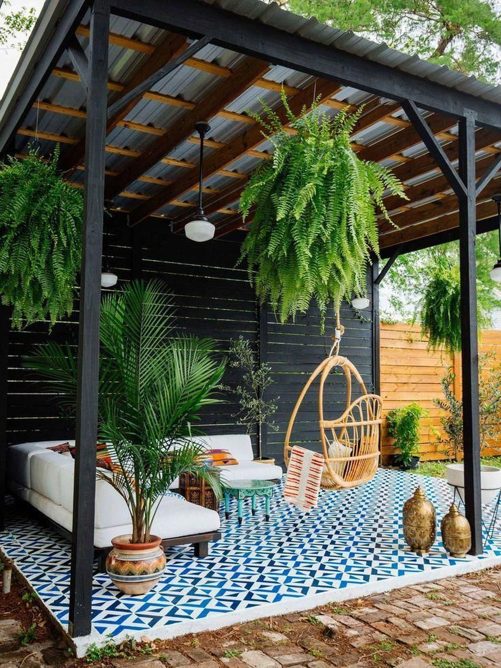 Admirable Cozy Patio Design Ideas To Relaxing On A Sunny Day 25