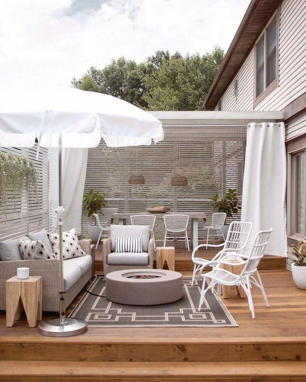Admirable Cozy Patio Design Ideas To Relaxing On A Sunny Day 38