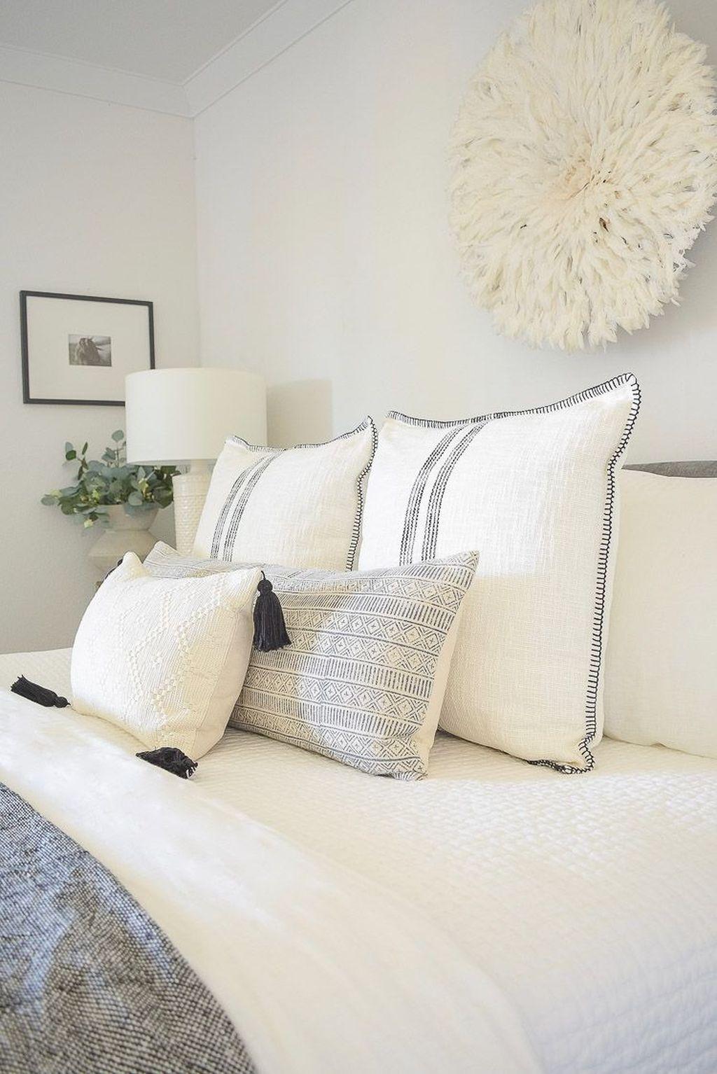 Lovely Spring Bedroom Decor Ideas Trending This Year 14