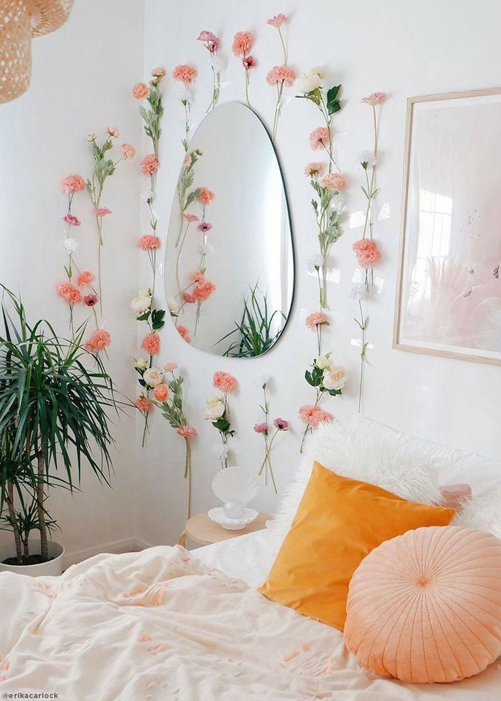 Lovely Spring Bedroom Decor Ideas Trending This Year 20