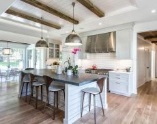Comfortable Farmhouse Style Design Interior 46