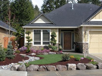 Texas Style Front Yard Landscaping Ideas 37