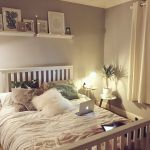 Simple and Comfortable Bedroom Design Ideas 73