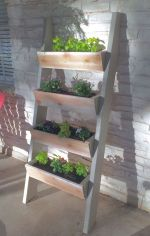 Inspiring Vertical Garden Ideas for Small Space 11