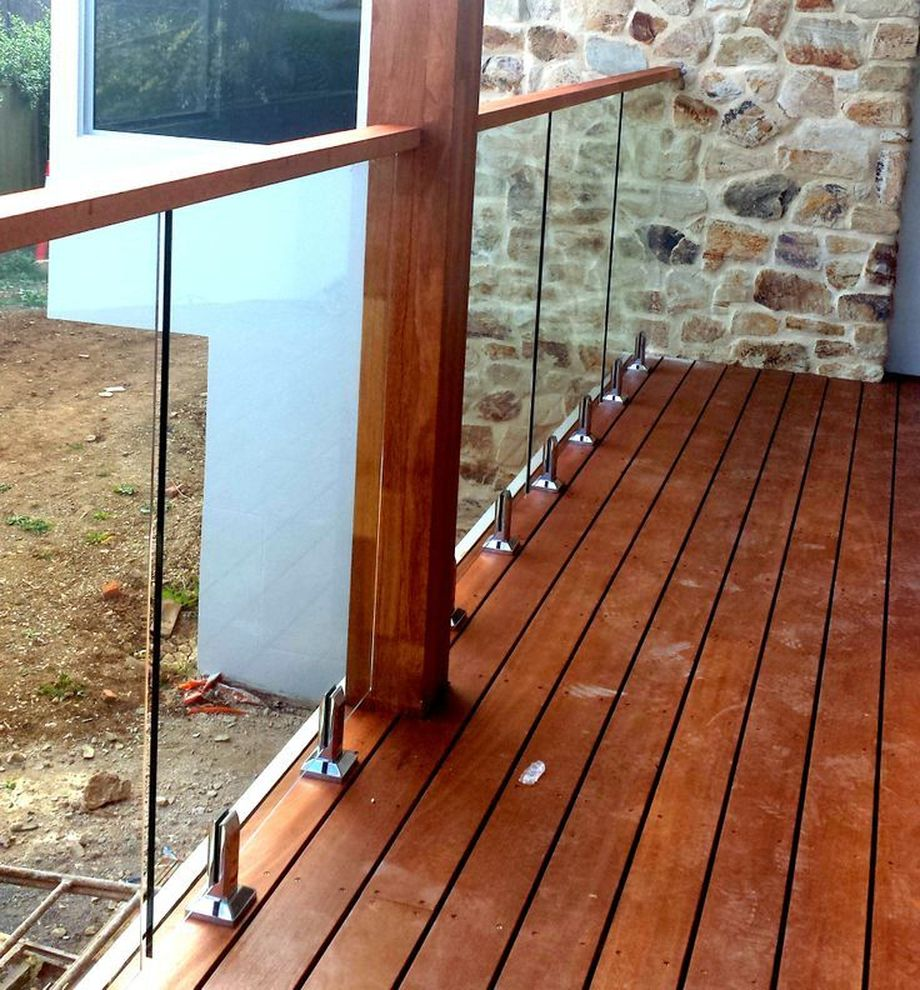 50 Incredible Glass Railing Design for Home Blacony 2