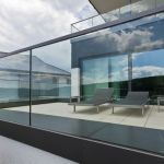50 Incredible Glass Railing Design for Home Blacony 20