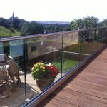 50 Incredible Glass Railing Design for Home Blacony 33