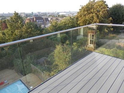 50 Incredible Glass Railing Design for Home Blacony 39