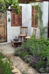 50 Rustic Backyard Garden Decorations 4
