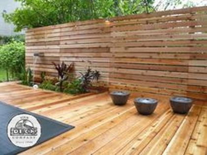 Cool Privacy Fence Wooden Design for Backyard 1