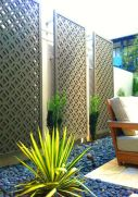 Cool Privacy Fence Wooden Design for Backyard 60