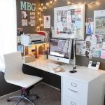 Inspiring Simple Work Desk Decorations and Setup 39