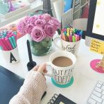 Inspiring Simple Work Desk Decorations and Setup 42