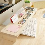 Inspiring Simple Work Desk Decorations and Setup 50