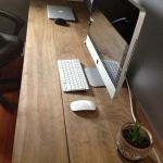 Inspiring Simple Work Desk Decorations and Setup 57