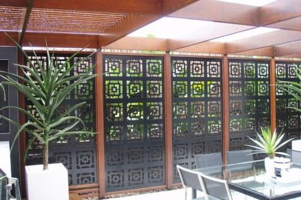 Stunning Privacy Screen Design for Your Home 40