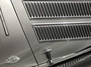 Side detail image of the louvers on a coach built 1937 Horch 853 Sport Cabriolet by Voll and Ruhrbeck