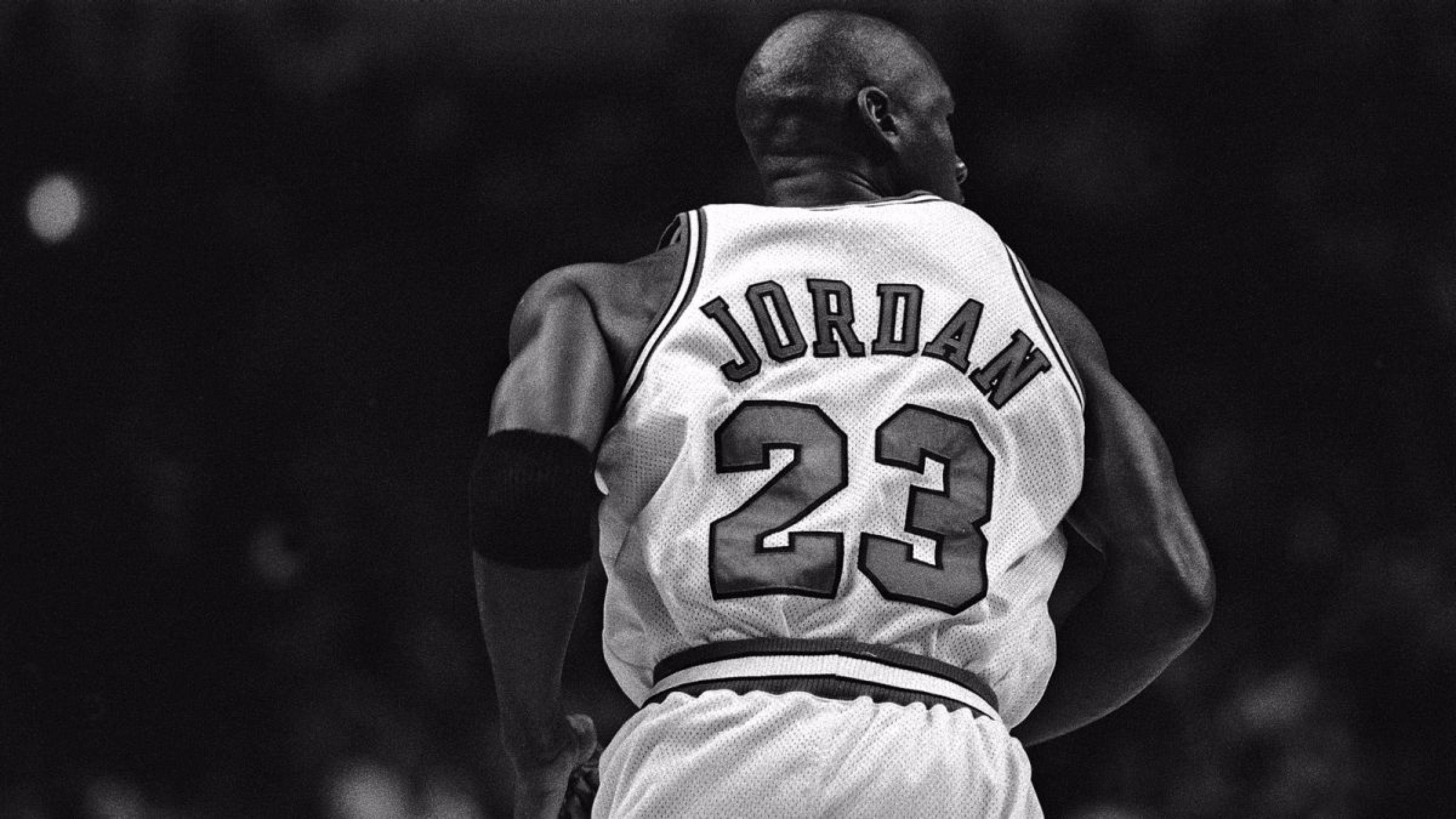 MJ Dishes On Leadership