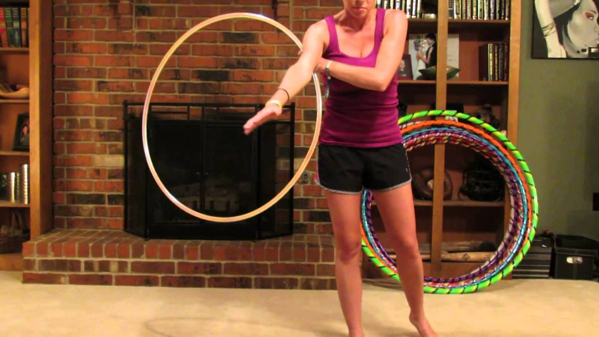 "Hula Hoop Tricks: ""Hooping Cartwheel"""