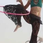 hula hoop tricks how to hula hoop knee hooping