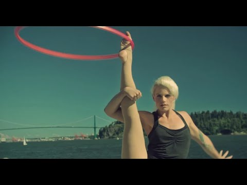 Fun Workouts to Do With a Hula Hoop