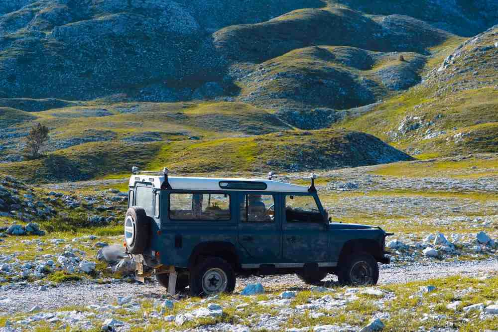 Active and fun holidays for family jeep tour