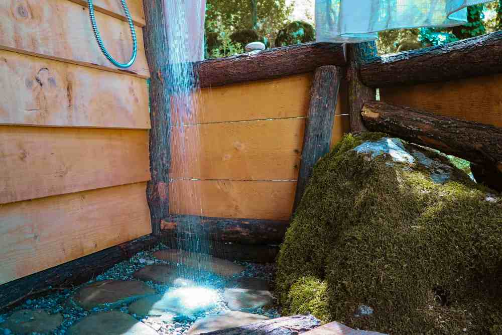 natural shower at hoopoe glamping experience Skadar Lake