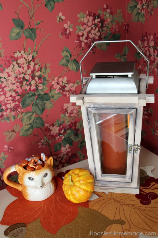 Foyer Decorating Ideas for Fall   Hoosier Homemade Foyer Decorating Ideas for Fall   on HoosierHomemade com