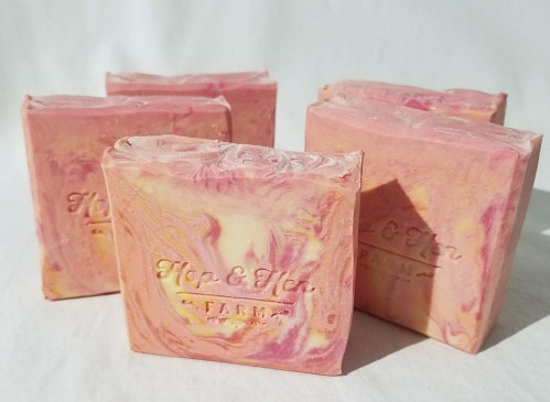 raspberry_muffin_goat_milk_soap