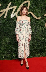see-all-the-gorgeous-looks-from-the-british-fashion-awards-1543119-1448311419.640x0c