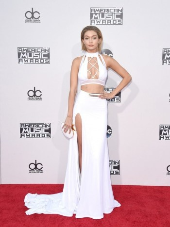 the-looks-we-love-from-the-american-music-awards-red-carpet-1535301-1448301943.640x0c
