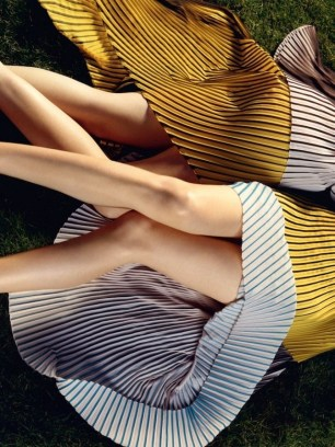 get-a-first-look-at-stella-mccartneys-fresh-ss-2016-campaign-1647434-1454658776.640x0c