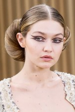 the-most-mesmerizing-beauty-looks-from-couture-week-spring-2016-1637024-1453937824.640x0c