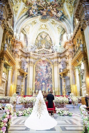 6-things-every-vogue-wedding-has-in-common-1747218-1461703035.600x0c