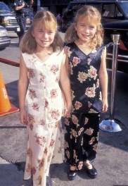 30-years-of-olsen-twins-style-see-their-fashion-evolution-1958207-1477848905-600x0c