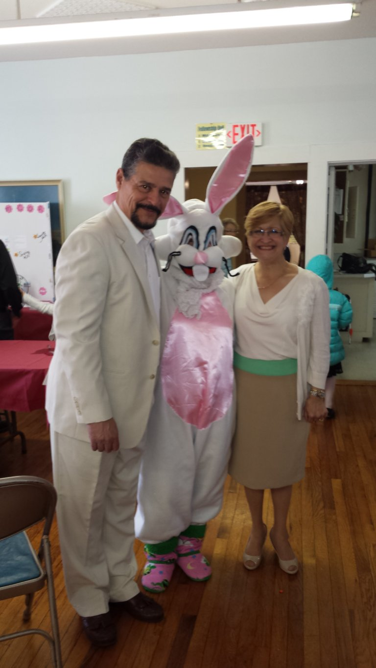Pastor Aida and Radames and Easter bunny