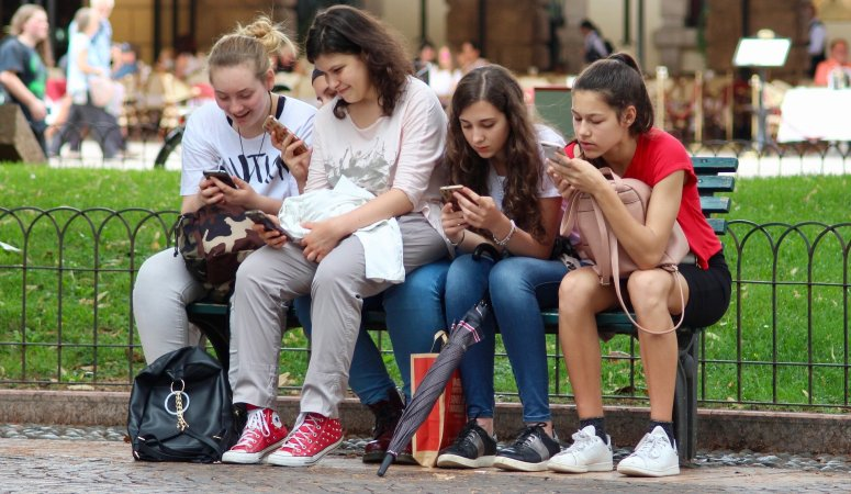 Drowning in The Age of Digital Addiction