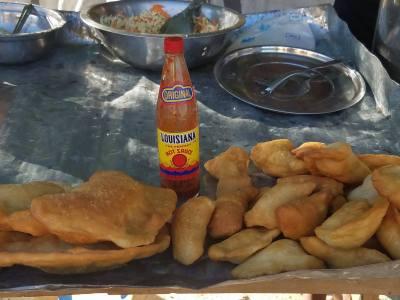 Paté friyé with hot sauce and piklis on the ready