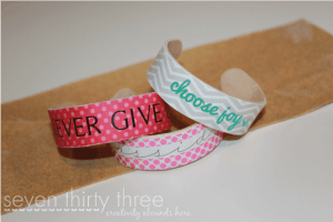 Easy Homemade bracelet 10 gifts under $10 #HomemadeGiftIdeas #ChristmasTradition Gifts the kids can make that people will really like