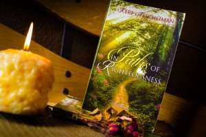 In Paths of Righteousness - a historical fiction novel. Giveaway, Book Giveaway #Giveaway #HopeForMarriage #Hopejoyinchrist