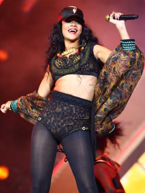rihanna-1341836873-rihanna-headlined-the-2012-wireless-festival-on-sunday-in-hyde-park-london-jpg