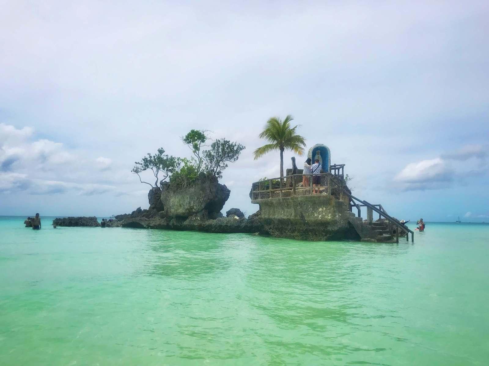 Willy's Rock, Boracay
