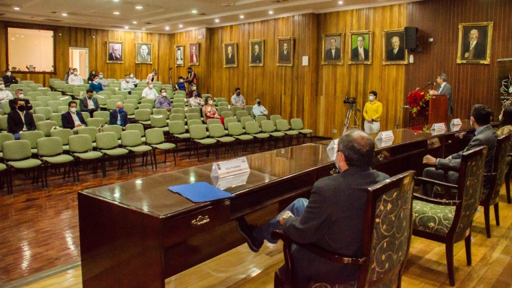 El evento se desarrolló en la mañana de ayer, en el Salón de la Provincia.