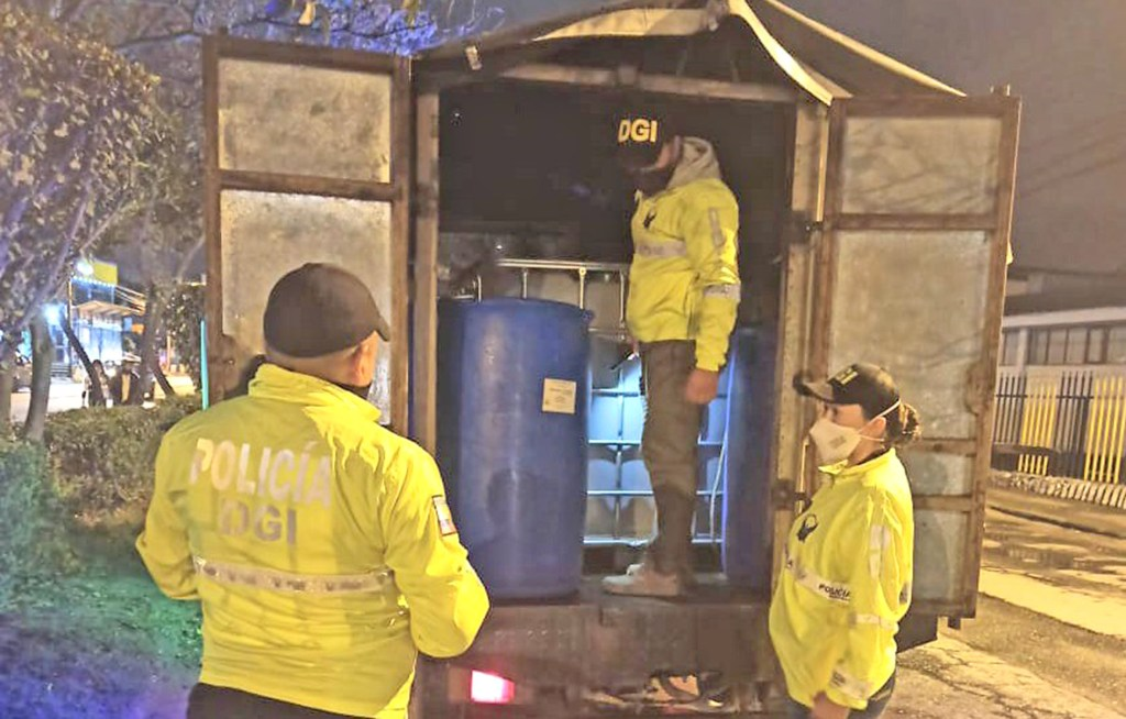 La noche del 30 de noviembre los agentes de la DGI interceptaron el camión blanco.